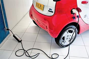 Prédio com ponto de recarga para carro elétrico