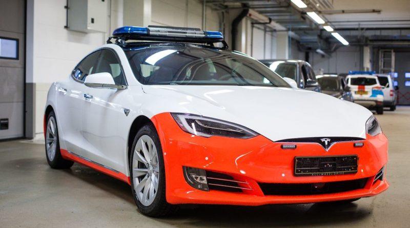 Tesla Model S carro de policia Luxemburgo