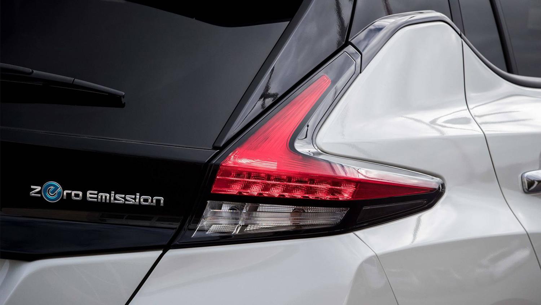 Detalhe da Lanterna Traseira Nissan Leaf 2018