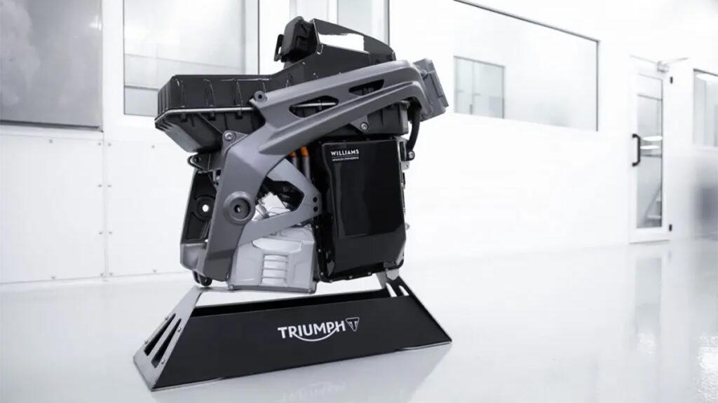 A bateria desenvolvida pelo departamento de engenharia da Williams é parte integrante do quadro e promete bom desempenho e autonomia