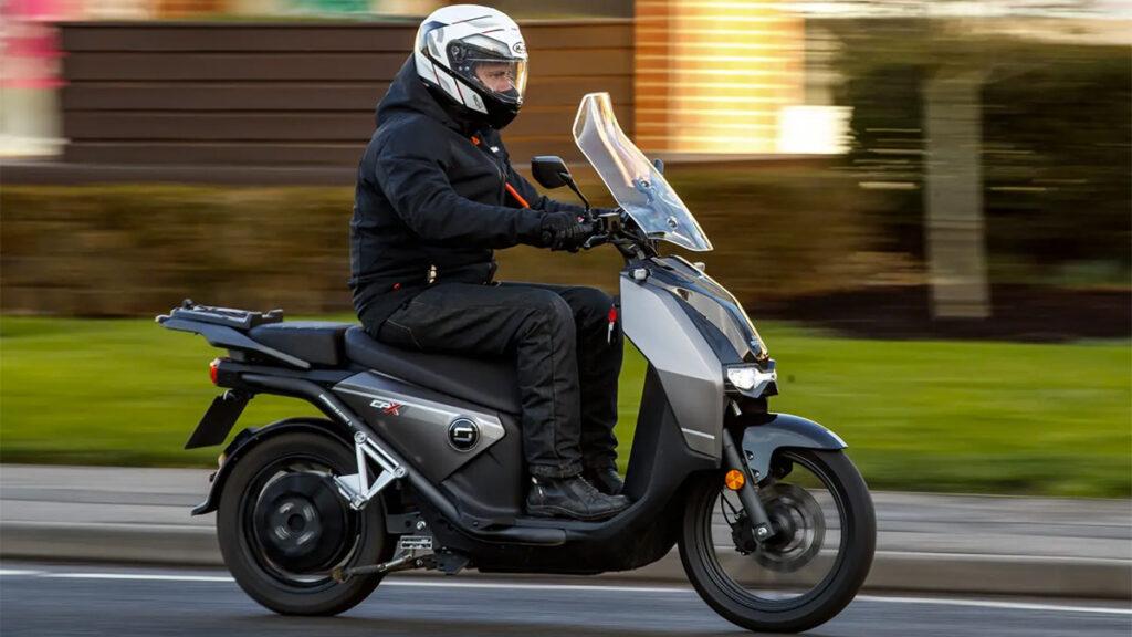 Scooter elétrica Super Soco CPX